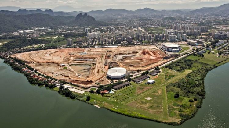 12abr2013---antigo-autodromo-de-jacarepagua-da-espaco-a-obras-do-parque-olimpico-da-rio-2016-1369180898372_956x500