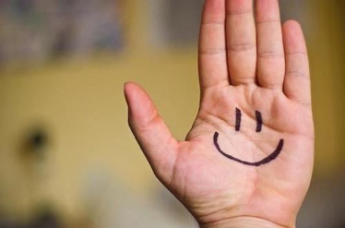 620206-Procure-sorrir-mais-e-viver-a-vida-intensamente.-Foto-divulgação