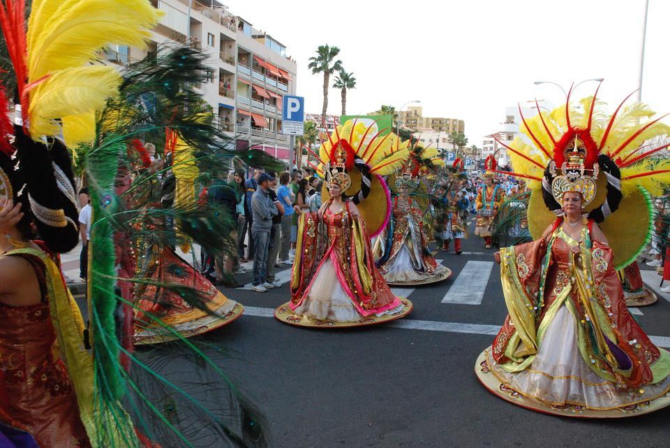 carnival-254914_960_720