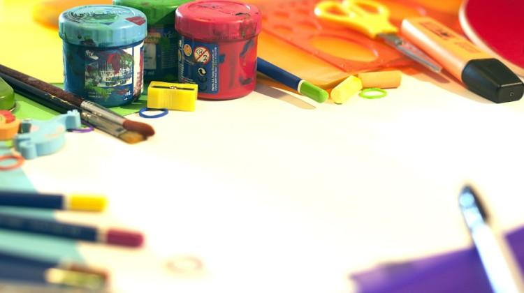 school-supplies-1695564_960_720