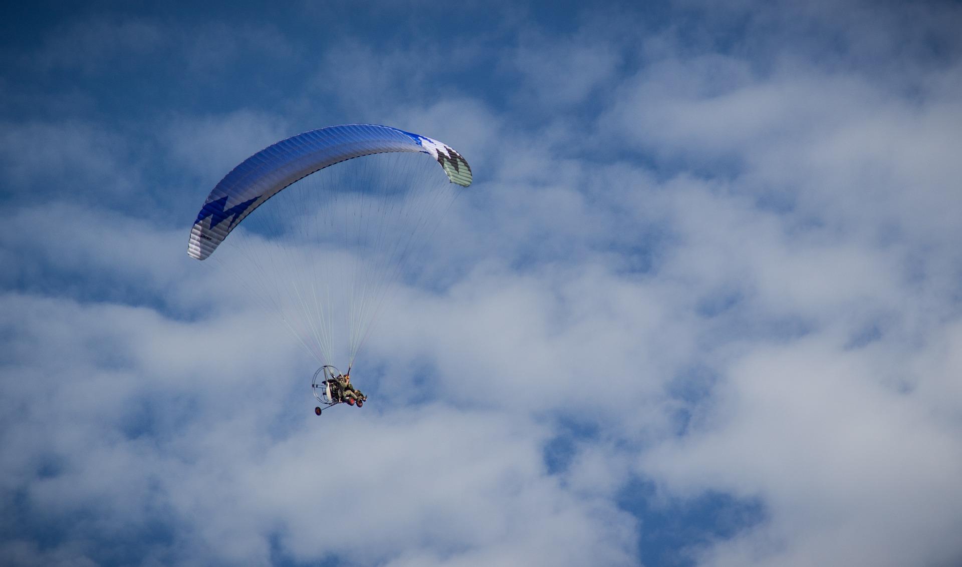 paraglider-2125023_1920
